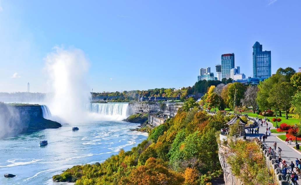 Přírodou i městy východní Kanady
